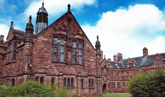 Arriva Buses and Gladstone's Library team up to offer discounted travel to the library