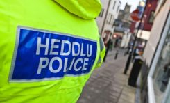 Police appeal for witnesses after bag snatch in Buckley