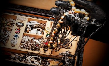 Don't keep large amounts of money or high value jewellery at home warn police