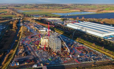 """Union Unite has warned a """"rogue"""" construction project in Deeside is undermining pay and safety"""