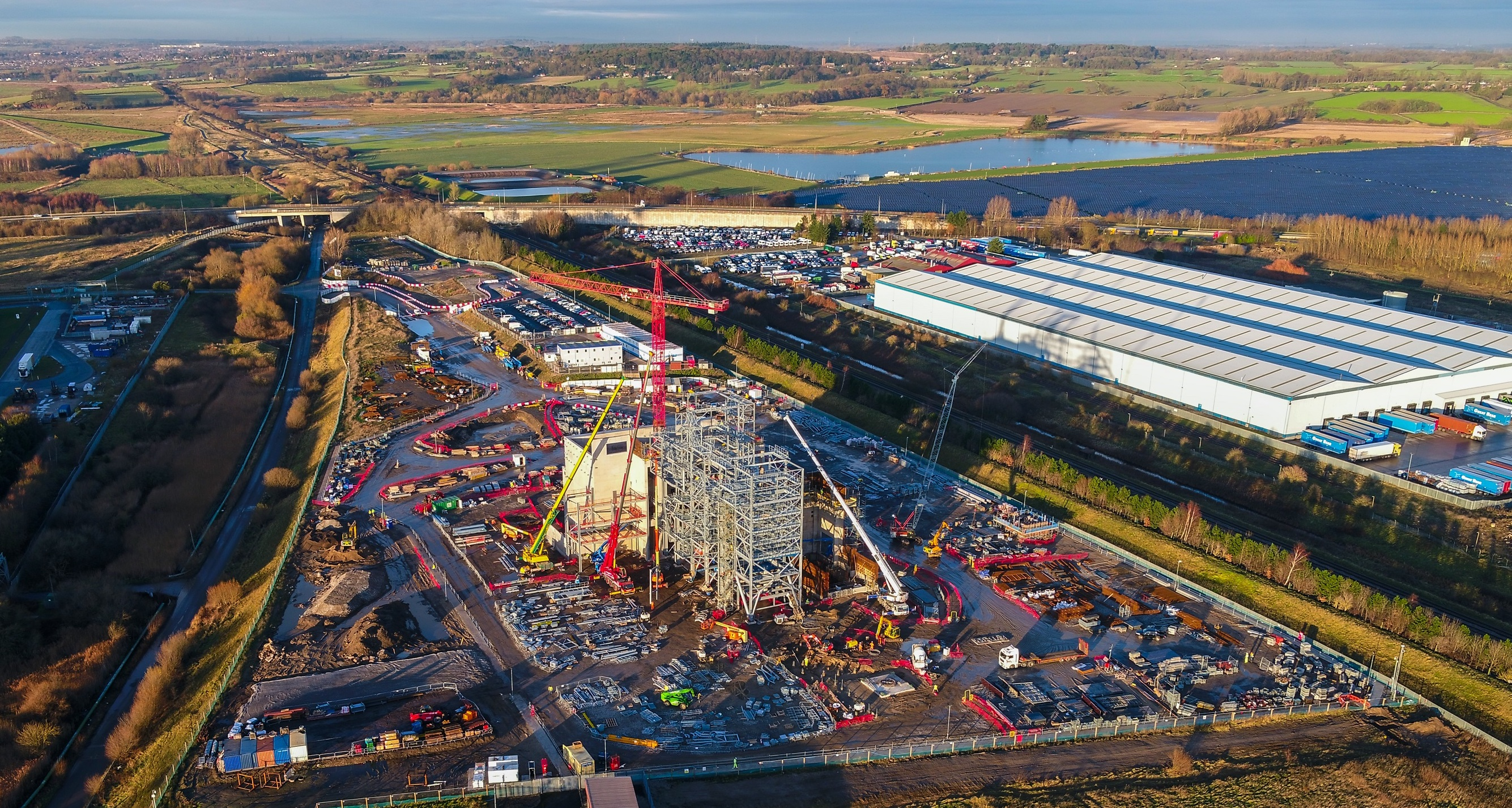 "Union Unite has warned a ""rogue"" construction project in Deeside is undermining pay and safety"